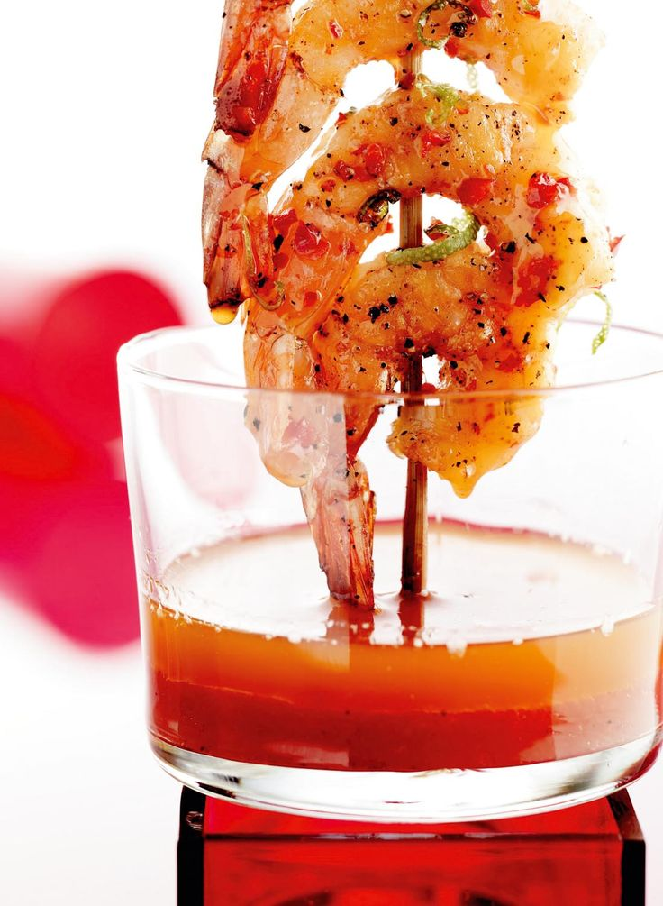 Grillspyd med rejer og chili-lime-olie