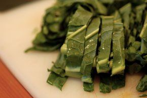 A new take on a southern staple: Collard greens. Here is a delicious way to get your greens. Pairing this side with our Healthy Mac and Cheese makes for a healthy take on a classic comfort meal. You can also find Mac & Greens on our Red Rooster menu in Harlem New York!