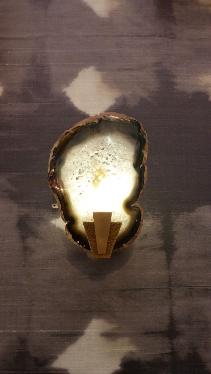 Edgar wall light with alabaster slice