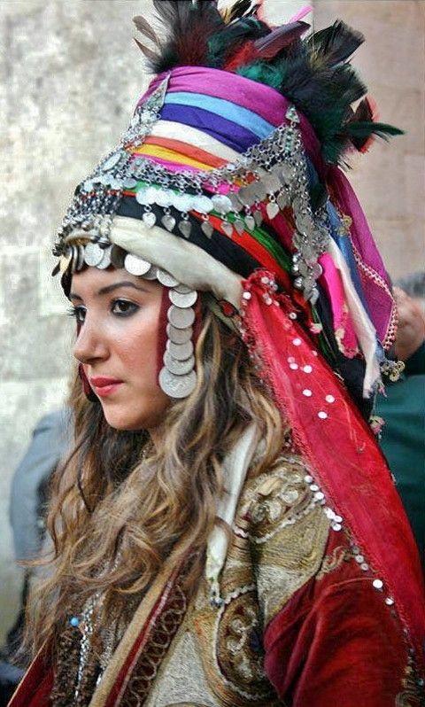 Bridal headgear. Zara district (Sivas) / Turkey.