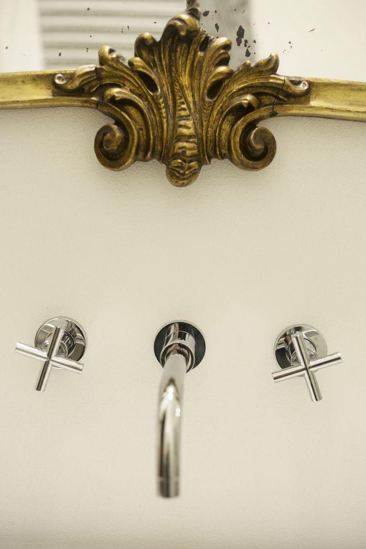 Bathroom (Shilla Mantovani set stylist, photo: Michela Nale)