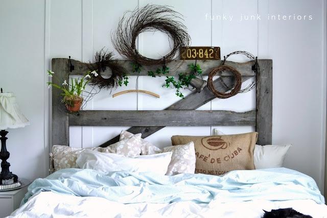 awesome headboardInteriorsfunki Junk, Messy Linens, Junk Interiorsfunki, Decor Bedrooms, Collection Linens, Scrap Linens, Funky Junk, Bedrooms Ideas, Bedrooms Creations