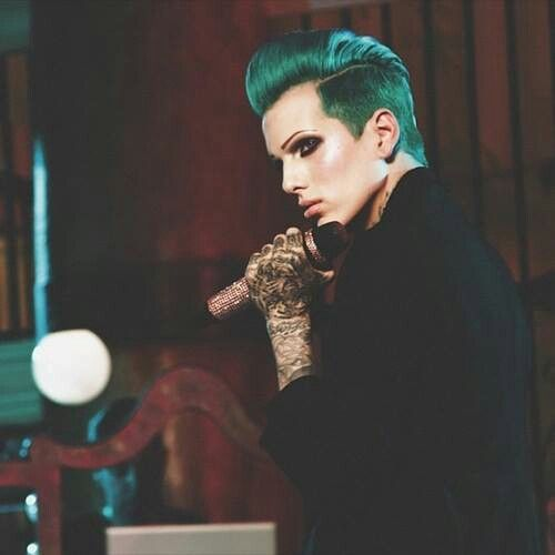 Jeffree Star - LOVE ! Beauty killer has always reminded me of my dad (who was bi).
