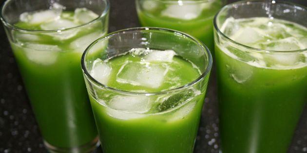 God opskrift på hjemmelavet juice med spinat, ananas og ingefær. Fuld af energi, power og fantastisk smag.