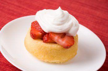 10 Very Easy Dessert Recipes with Bisquick, Plus Bonus Treats | RecipeLion.com