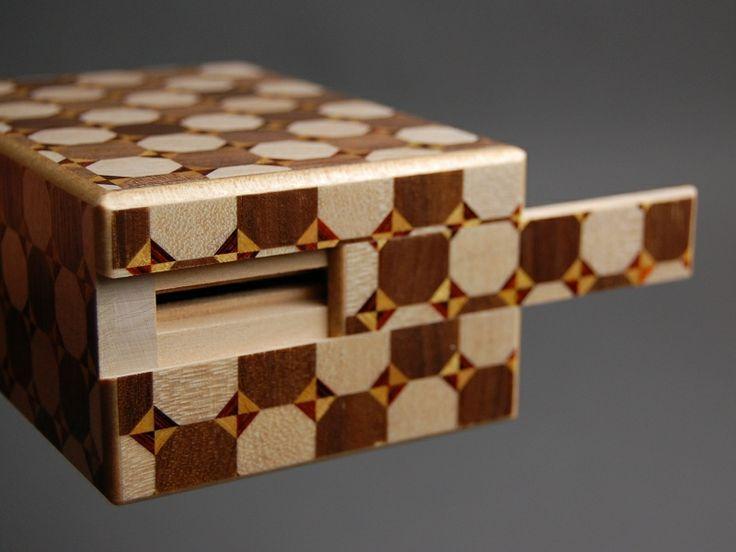 IZUMIYA - Hakone Yosegi Zaiku - Himitsu Bako - Japanese Secret Trick Puzzle Box - ONLINE SHOP