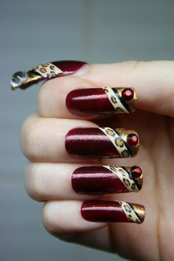 The paparazzi will follow you everywhere with these dazzling nails!