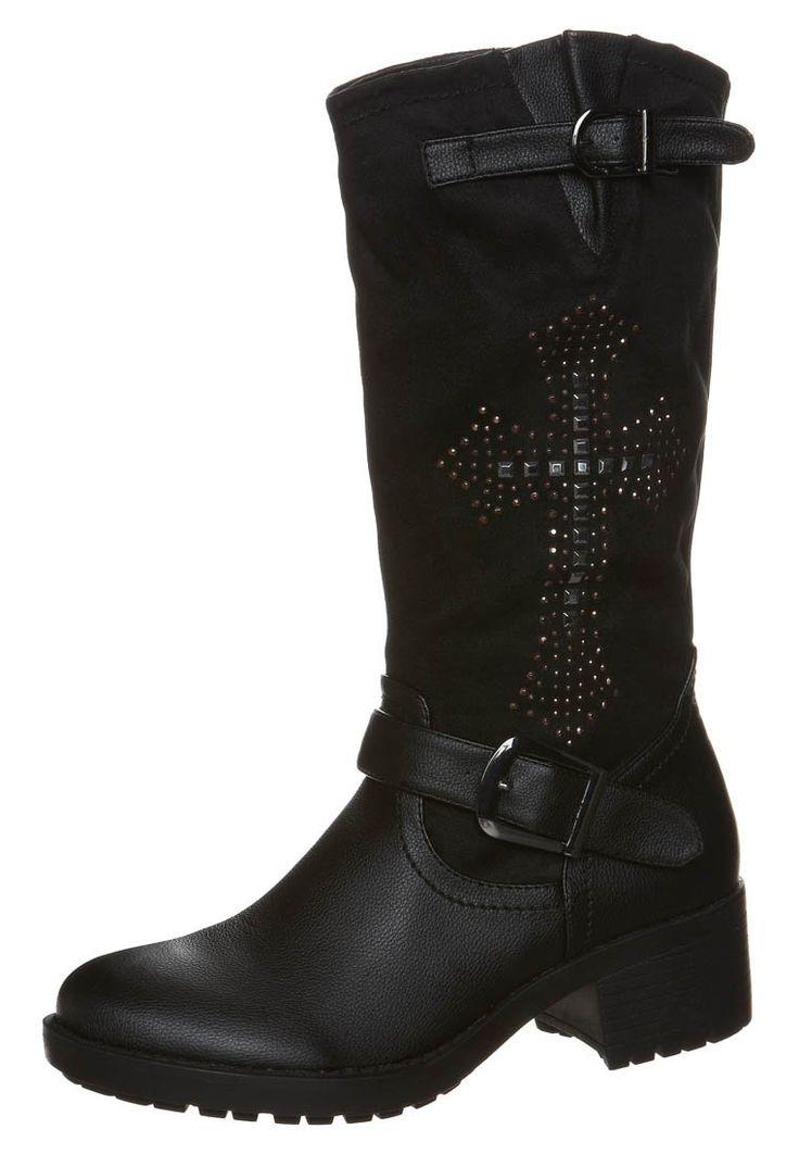 Botas para mujer de caña alta planas en color negro de Even&Odd http://stylabel.com/product/even-odd-botas-camperas-negro/57409