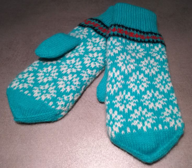 Knitted wool mittens, double, warm mittens, accessory for the winter, snowflake pattern, Elsa-like by AnuCraft on Etsy