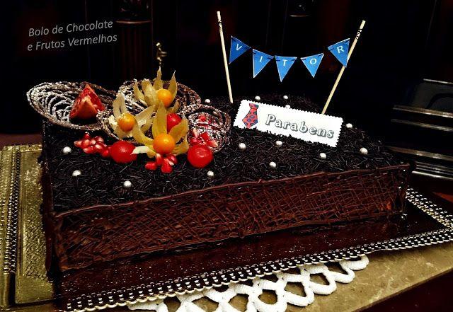 Mais Doce Que Salgado!: Bolo de Aniversário de Chocolate e Frutos Vermelho...