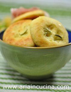 Blog di cucina di Aria: Focaccine di ceci al rosmarino #healthyfood