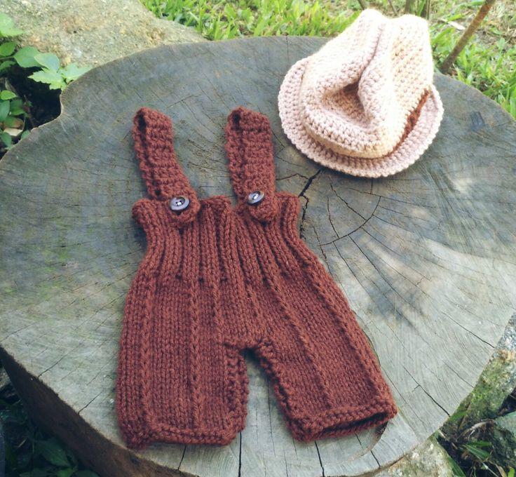 Conjunto confeccionado em tricô e crochê em.fio antialérgico  Cor marrom e bege  Tamanhos RN/ 1 a 43/3 a 6 meses