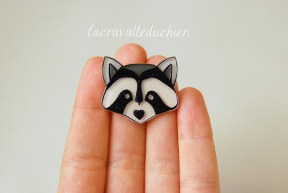 Raccoon brooch woodland animal jewelry by lacravatteduchien, €12.00