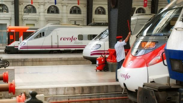 #barcelone #barcelona #барселона #какдобраться #какдоехать #валенсия #поезда Поезд испанских железных дорог Renfe. Как добраться из Барселоны в Валенсию | Барселона10 - путеводитель по Барселоне