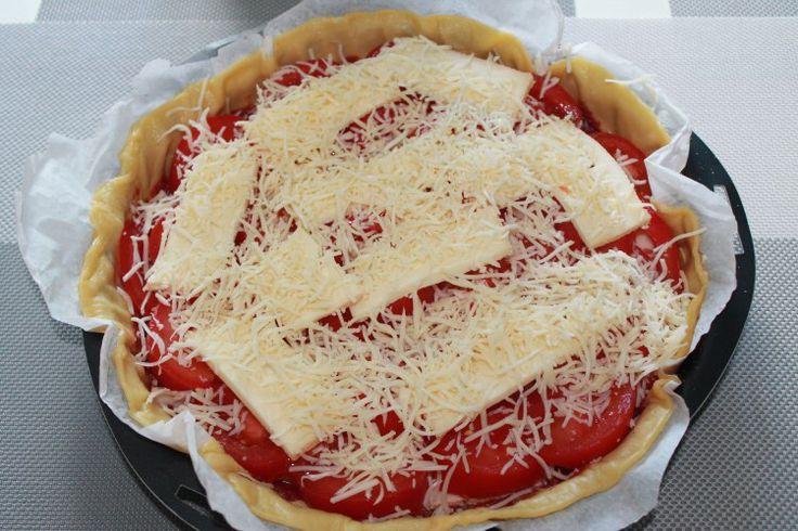 Tarte salée fromage à raclette et tomates