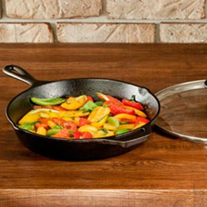 Lodge : Skillets and Covers