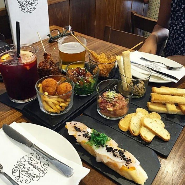 Te Desvelamos 10 Sitios Donde Comer Barato En Madrid Desde Bares De Tapas Tascas Tabernas Hasta Opciones Más Sibaritas Bar De Tapas Menú De Tapas Comida