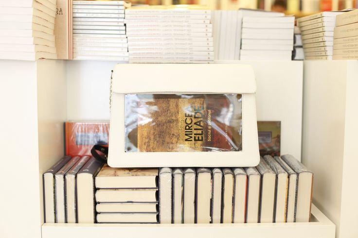 Bookletta, your book's best friend <3