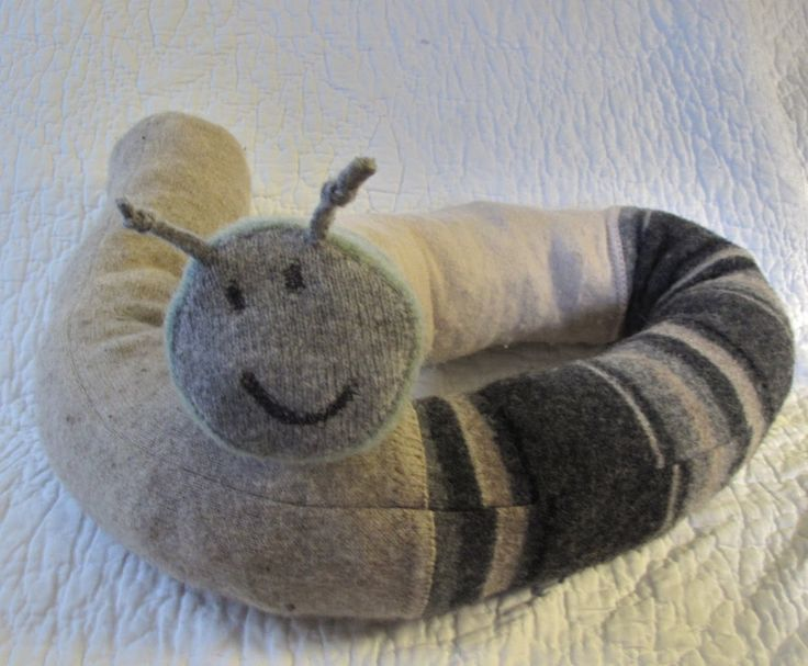 """Hi! My name is Kris. I love recycled wool, and all the fabulous things that can be made with it. I sell wool & cashmere sweaters for repurposing in my Artfire shop, www.resweater.artfire.com. New to recycled wool? Type """"FAQ's"""" in the search box, and don't hesitate to ask any questions you may have! You can contact me at resweatercontacts@gmail.com"""