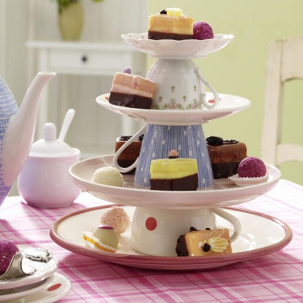 DIY: Cake Stand - Teacups or mugs and plates how cute. Different take on the tiered cake stand I made for Christmas