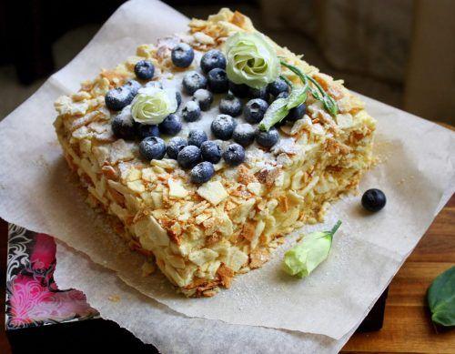 Домашняя выпечка торта Наполеон в духовке, на сковороде и без выпечки. Рецепты с фото пошагово. Несколько способов приготовления заварного крема. Просто