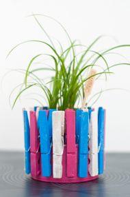 Gebruik jij wasknijpers alleen om de was op te hangen? Zonde! Je kunt er namelijk hele leuke, creatieve creaties mee maken. Je zal versteld staan van de leuke mogelijkheden!  http://www.vriendin.nl/creatief/wonen/7498/creatief-met-wasknijpers