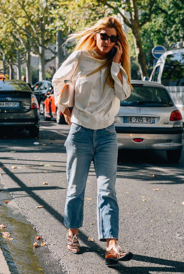 Ada throwing some cool around. Paris. #AdaKokosar