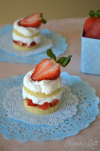 Mini Japanese Strawberry Shortcakes  So small!!!!  This is one reason people stay so thin.