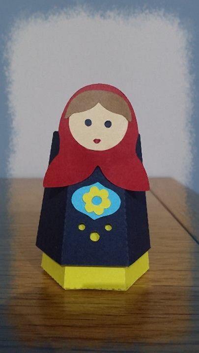 bambolina matrioska in cartoncino