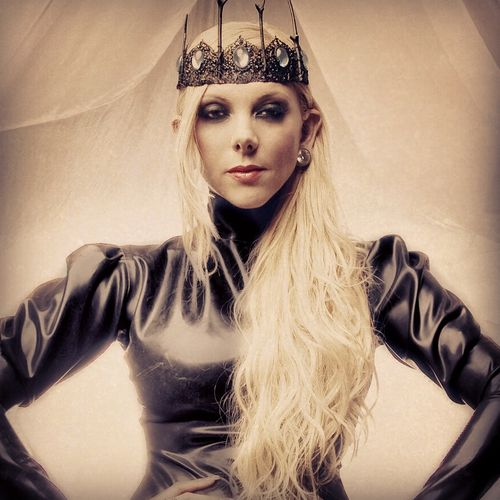 Maria Brink of In This Moment <3 a band I learned of at a MM/RZ concert. LOVE THEM!