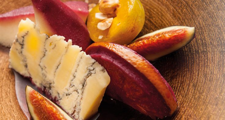 Grevenbroecker kaas, peer & sinaasappel in rode wijn, salade van vijg en Reine Claude pruim | Dolce world