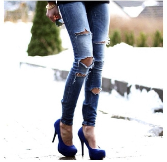 Ripped jeans heels - Ripped Jeans Heels – Your New Jeans Photo Blog