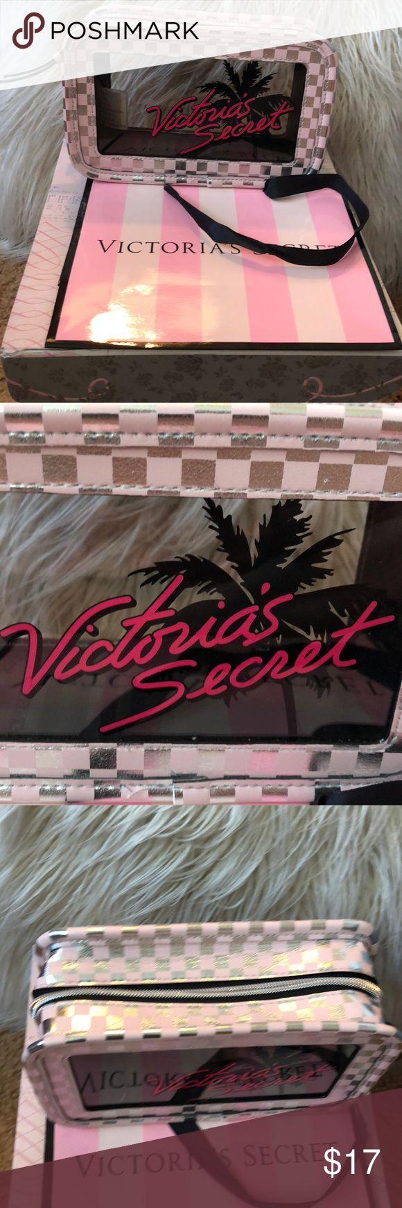 Victoria Secret palm tree 🌴 makeup 💄 bag. New. Victoria Secret palm tree …