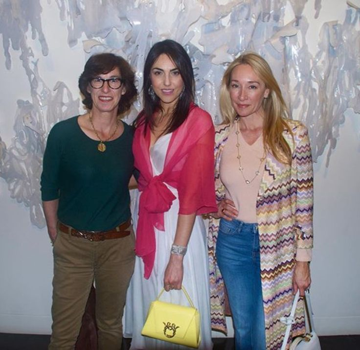 magriofficial@isabellaayou Ceo and Creative Director OF Magrì At the opening reception of @estherfrosa exhibit of her new work at the National Academy Museum in New York. With author extraordinaire @ninafeld #art #nationalacademymuseum #newyork #MaasaiCollection #ss2016 #magri_handbags #magri #PiccolaGioia #CraftedinFlorence #ItalianStyle #TimelessElegance #Sophisticated #MadeInItaly #ItalianCraftmanship #ItalianGlamour #LuxuryHandbags #Handbags #PowerBags #magripress #etabetapr…