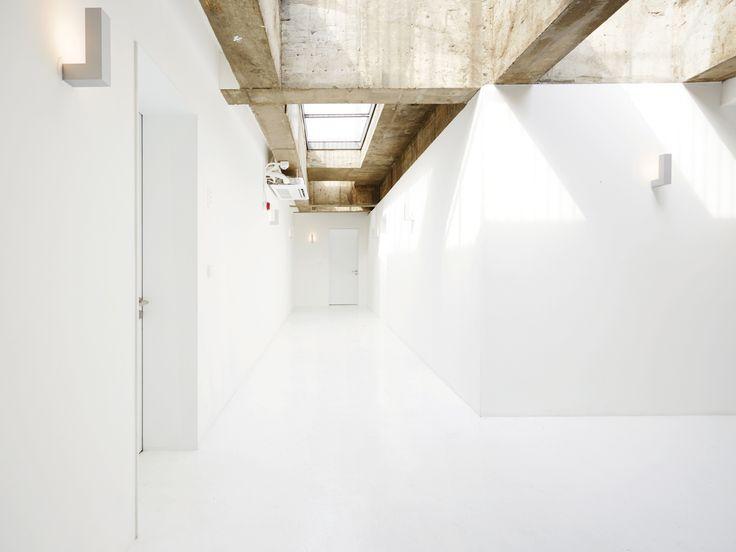 Small House Big Door — POST SEOUL