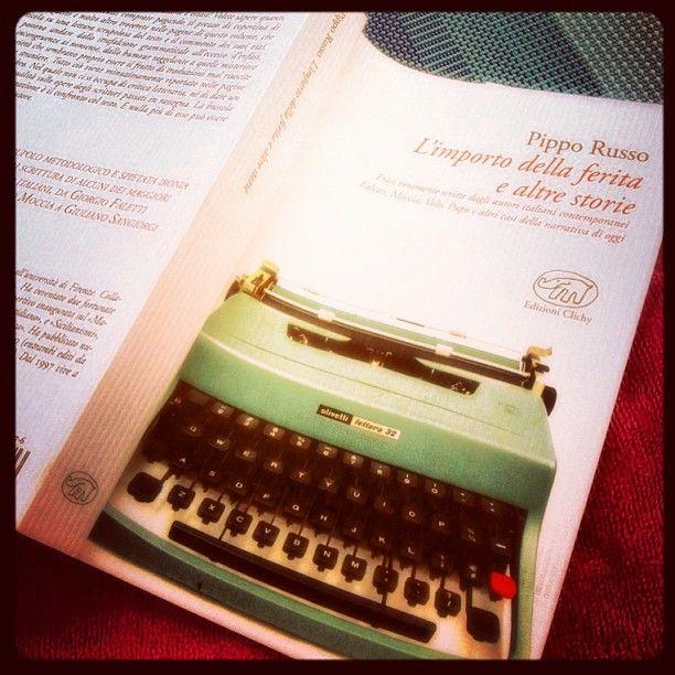 Se volete sapere come nascono certi fenomeni letterari, non leggete questo libro perché non trovereste una risposta. In compenso potreste sapere perché certi fenomeni letterari non hanno ragione di essere, e questo è decisamente più interessante... http://exlibris20102012.blogspot.it/2013/09/ultima-lettura-limporto-della-ferita-e.html