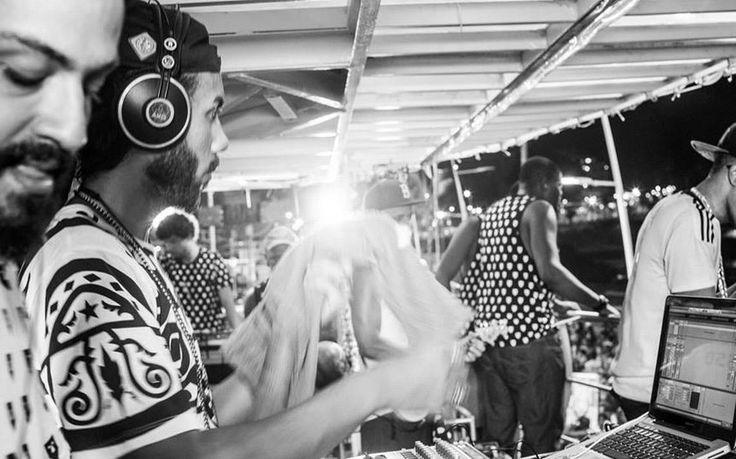 Por que o Baiana System é a grande banda do Carnaval 2016 - Letras politizadas e raízes musicais misturadas ao rap, rock e música jamaicana são a base do fenômeno baiano deste ano