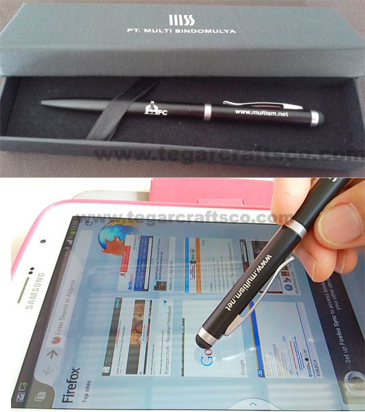Stylus Pen 5116 Metal pen with stylus on the back, the tip of your finger gently designed. Practical and comfort. Your screen you do not quickly dirt because fingerprints left on the screen. Print your company's name and logo with engraving techniques, and an exclusive black box (optional). Now, with our stylus pen, using tab is not a problem anymore.