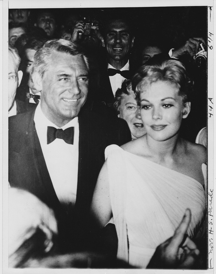 Cary Grant & Kim Novak at the Cannes Film Festival ~ ORIGINAL 1959 press photo