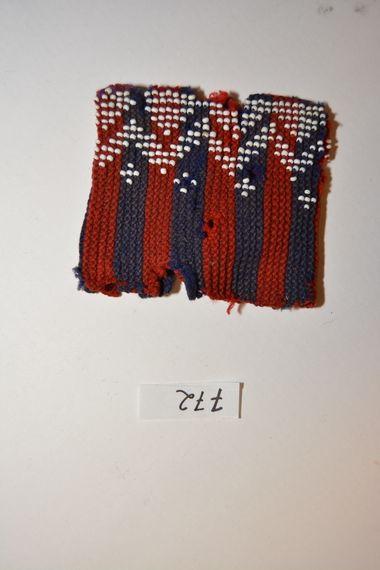 DigitaltMuseum - Håndleddsplagg