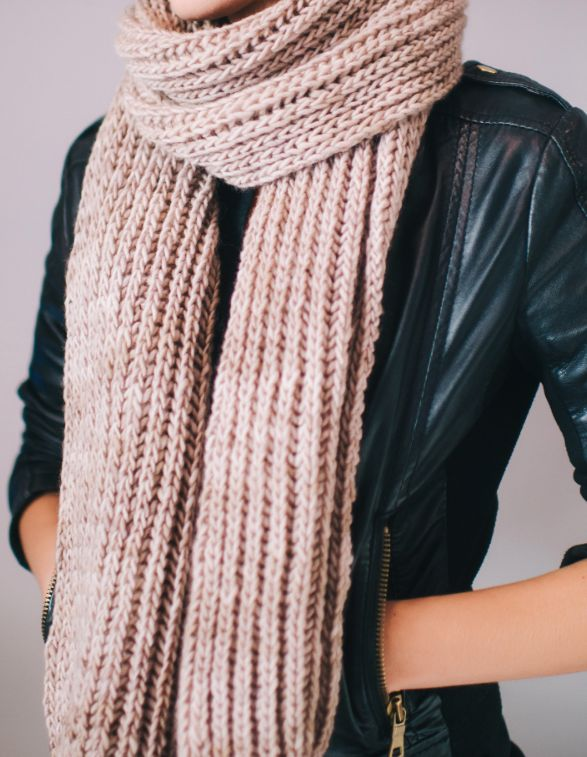 Yarnie's Favorite Scarf Pattern | Every yarnie can appreciate this beautifully constructed knit scarf.