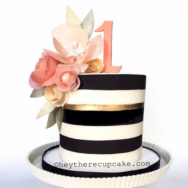 Hey there, Cupcake! Stripes and Flowers #happybirthday #birthdaycake #firstbirthday