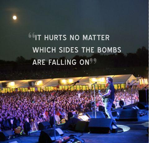 Pearl Jam: Eddie Vedder canta 'Imagine' per la pace a Gaza