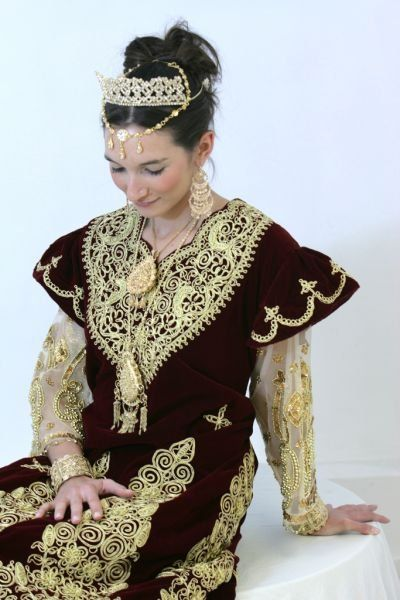 352 best images about les robes traditionnelle alg riennes on pinterest moroccan dress dont. Black Bedroom Furniture Sets. Home Design Ideas