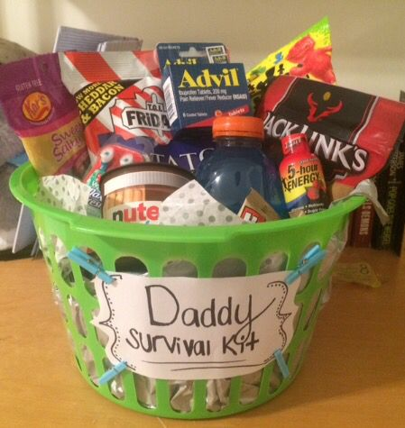 Daddy survival kit, dad to be gift, new dad gift- Some things for energy, something for the inevitable headache, and supplies to get and stay refreshed! Pinterest | @raaaychel