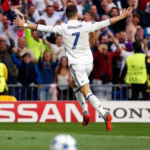 Cristiano Ronaldo (@cristiano) | Instagram photos and videos