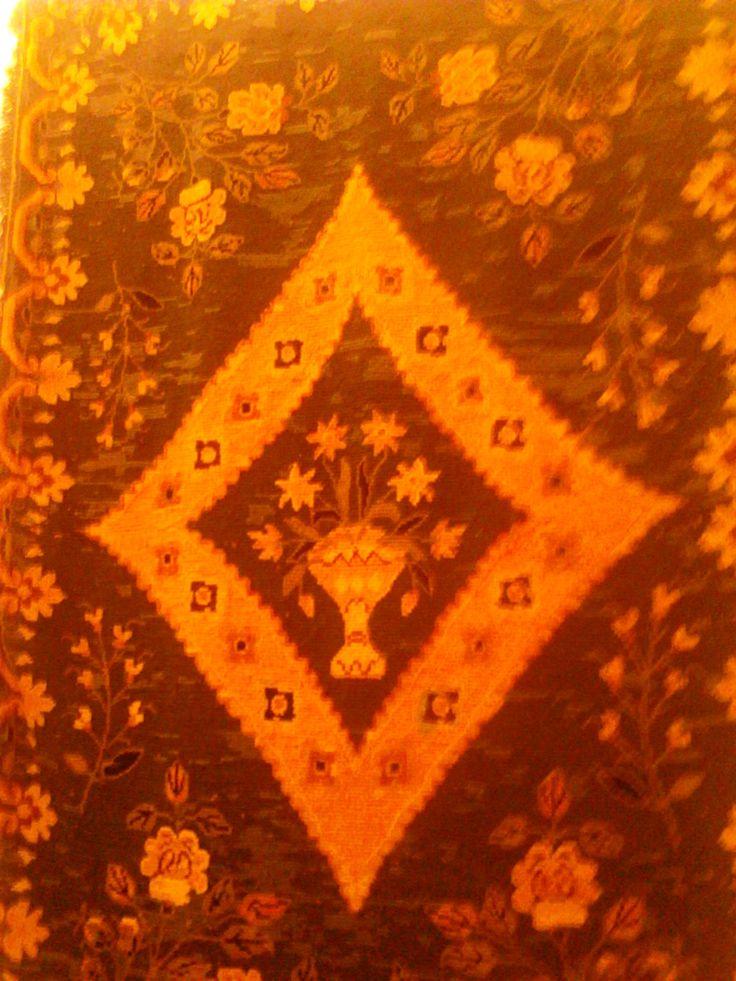 Tapete de Arraiolos  Desenho do Século XVIII Centro Interpretativo do Tapete - Durante mais de 4 séculos esta Arte fortemente feminina, transformou-se e reinventou-se.