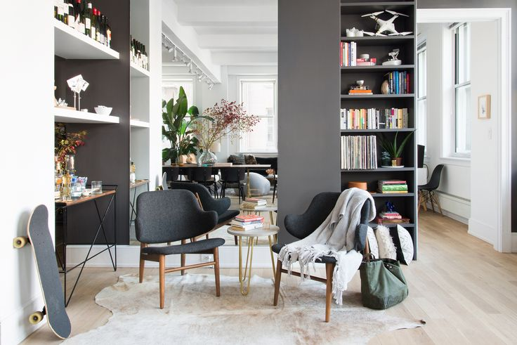 Homepolish designer Shannon Tate thinks that a well-designed bachelor pad is the biggest turn-on... and frankly, we couldn't agree more.