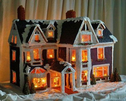 beleuchtetes Lebkuchenhaus