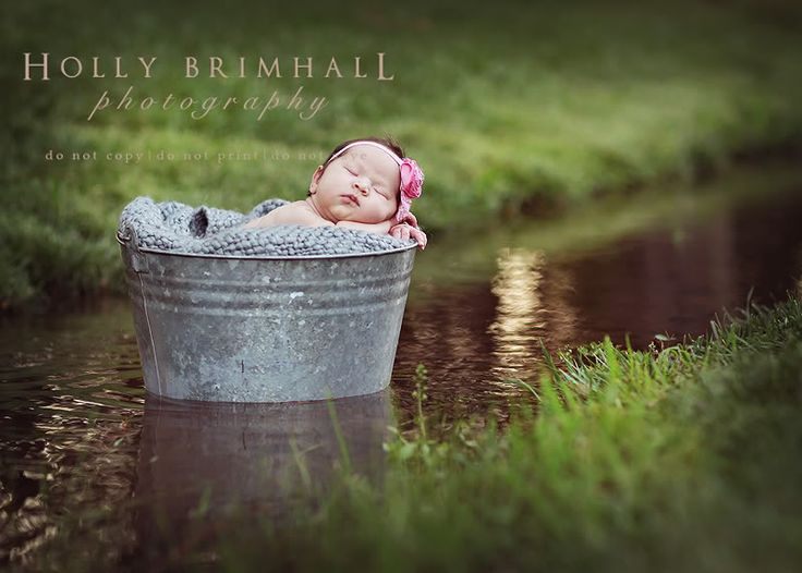 so sweet...love this site.  plenty of great posing and prop ideas!